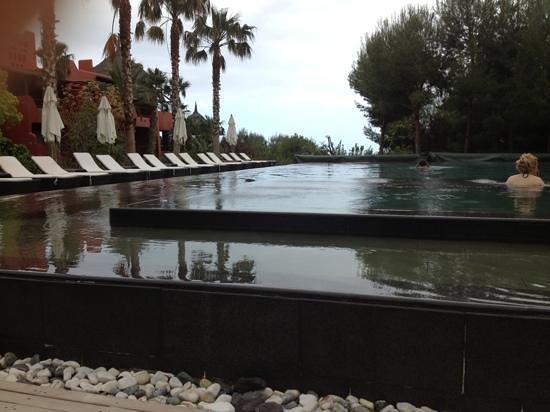 Asia Gardens Hotel & Thai Spa, a Royal Hideaway Hotel: une des piscine chauffée