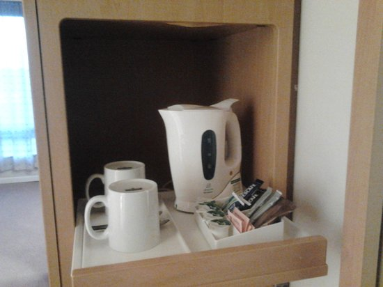Travelodge Derby Cricket Ground hotel: Tidy hot drinks
