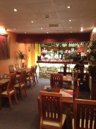 Amorn Thai Restaurant and Cafe: Interior of Tiffs Thai Restaurant