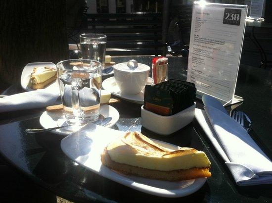 Keizersgracht 238: Tè e torta al limone e meringa