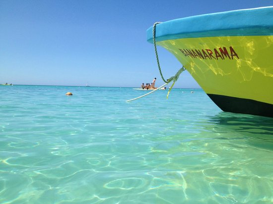 Bananarama Island Activities Center: Water is gorgeous