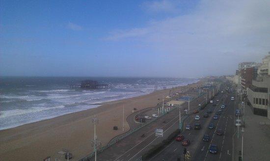 Umi Brighton Hotel: Le matin avec le soleil