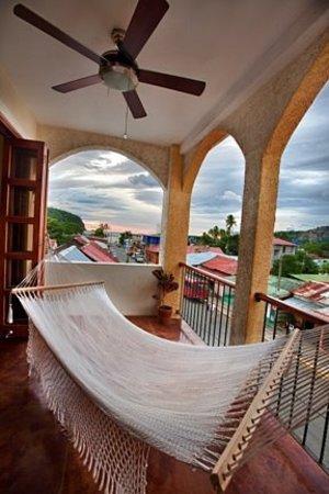 La Terraza Condominiums: Breezy Ocean View Balcony