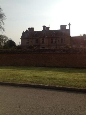De Vere Horwood Estate: very nice
