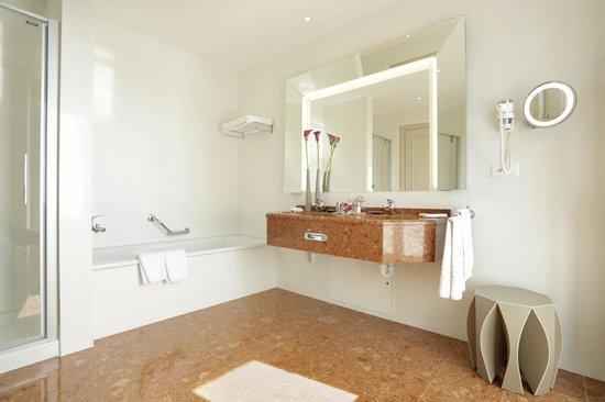 Hotel Schweizerhof Luzern: Badezimmer