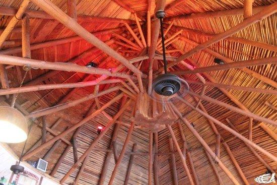 Pandora's of Grayton Beach: Beautiful vaulted ceiling in the Round Room