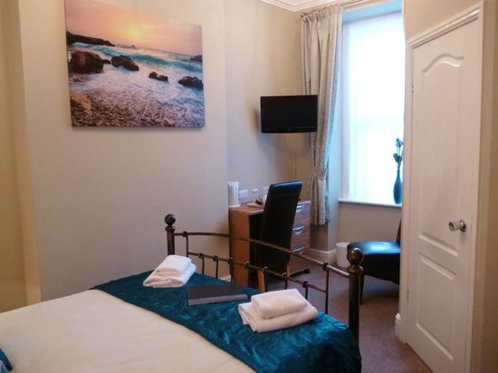 Westbourne Guest House: Room 2 (double)