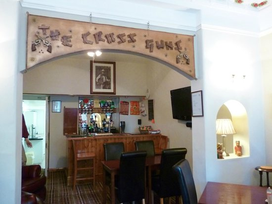 Westbourne Guest House: The Cross Guns!