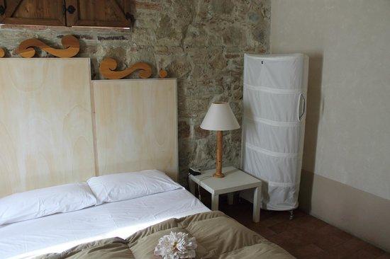 Particolare camera da letto - Bild von Le More E I Gelsomini ...