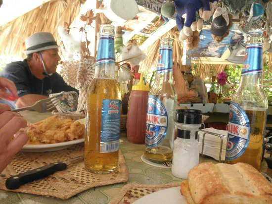 Max's Conch Bar & Grill: Island Time - Long Island style