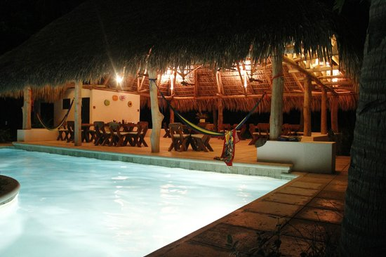 La Cocotera Resort & Ecolodge: Swimming pool and dining rancho