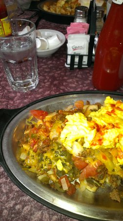 The Golden Hen Cafe: The spicy chorizo skillet