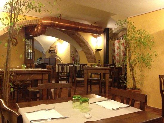 Osteria del Borgo: Quaint and romantic