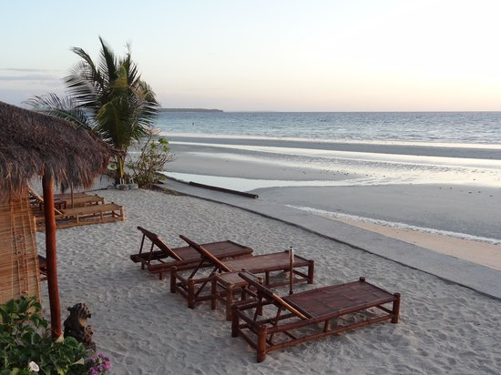The Coral Blue Oriental Beach Villas & Suites: Early morning