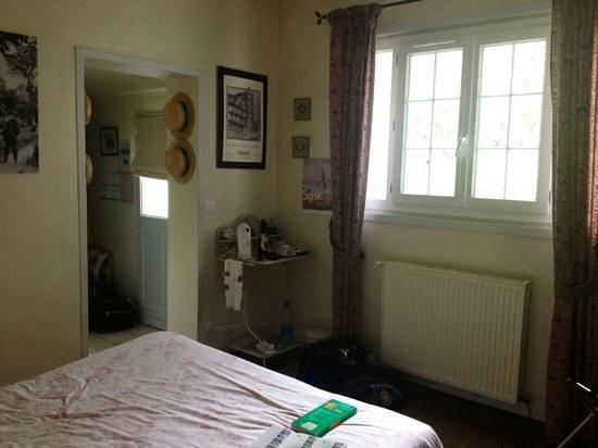 Marie et Gilbert Therin B&B : bedroom