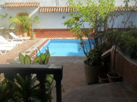 Hotel María Luisa : vista piscina