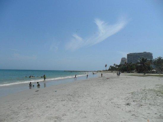 Hotel María Luisa : playa frente del hotel