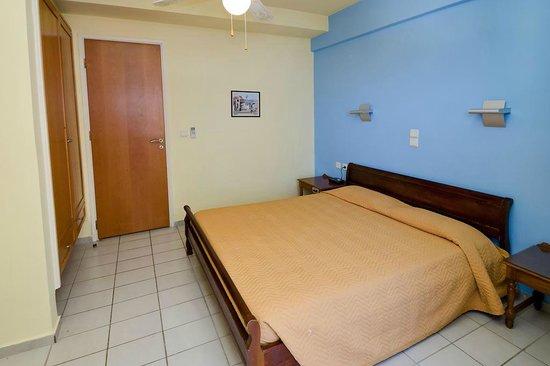 Jason Apartments Hotel : sypialnia 1