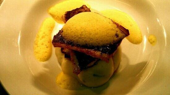 Bistro 26: pan fried seabass on roast fennel,spring onion mash with saffron foam