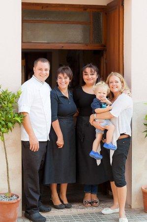 Restaurant Es Pati: the team!