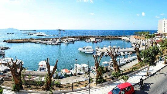 Stelisia Rooms: widok z pokoju - port rybacki