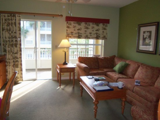 Wyndham Cypress Palms: The living area
