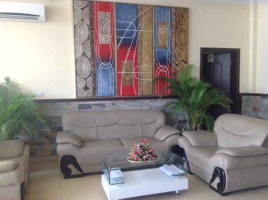Hotel Le Chandelier: Mini Lobby