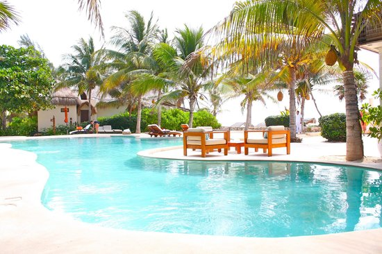 Viceroy Riviera Maya: Pool in the morning