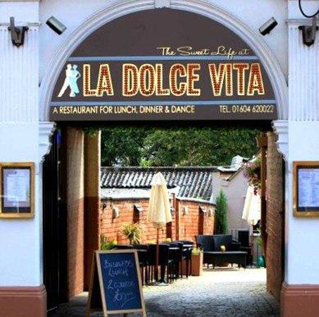 La Dolce Vita: Restaurant Entrance