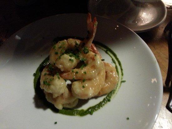 Peso's Kitchen & Lounge : Walnut honey prawns