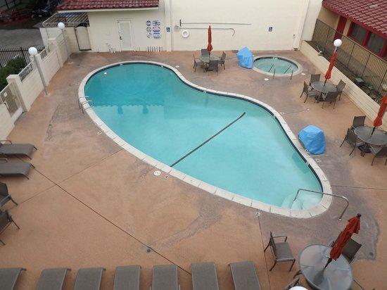 Vagabond Inn Executive Sacramento Old Town: A great place to keep cool