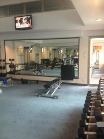 Somerset Ho Chi Minh City: Weights room