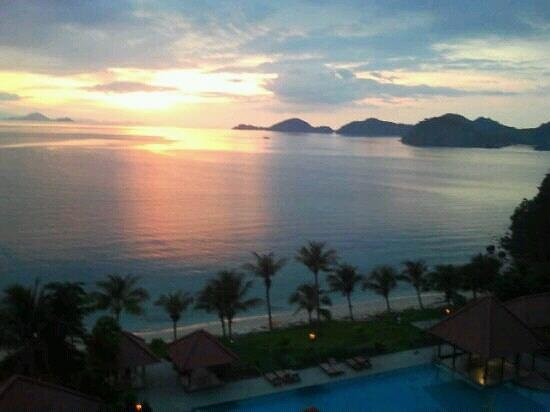 Laprima Hotel: sunset view from 7th floor