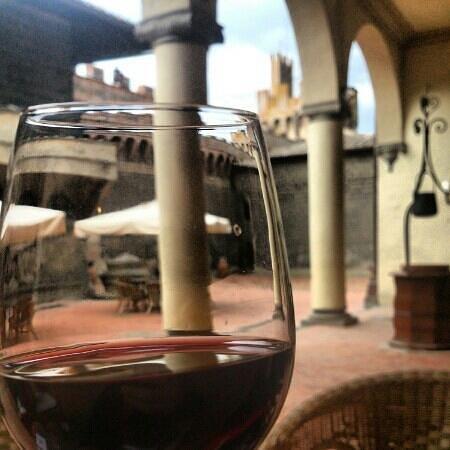 Castello Di Oliveto : Wine in the castle