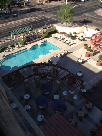 Hilton Garden Inn Scottsdale Old Town: View from 7th floor room