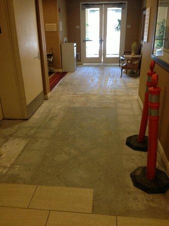 Hilton Garden Inn Scottsdale Old Town: Remodeling in lobby 4/20/13