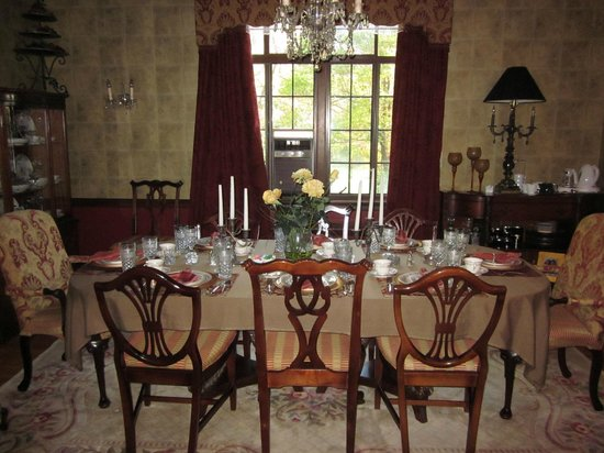 Sobotta Manor Bed & Breakfast: dining room