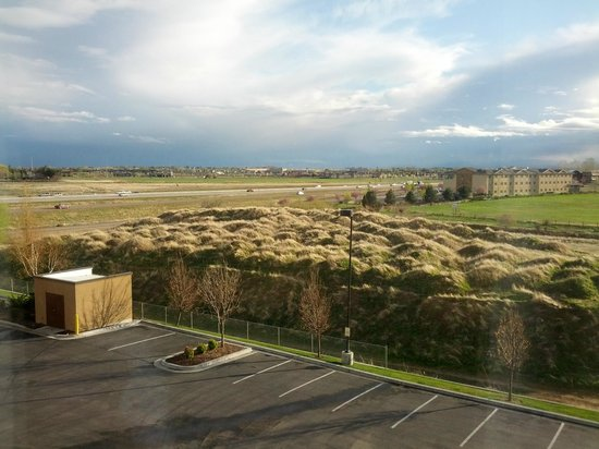 Hampton Inn & Suites Boise-Meridian: View from third floor facing freeway