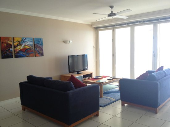 Bellevue at Trinity Beach : Very comfortable living room