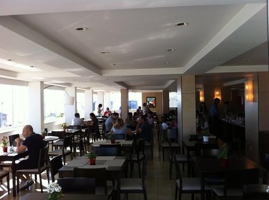 Hotel Porto Sol Quality: área do cafe da manha cobertura