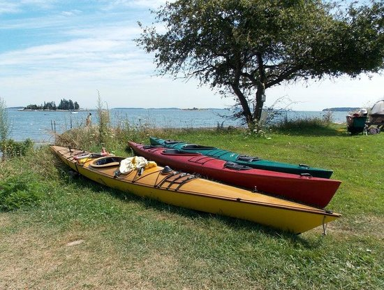 Lobster Buoy Campsites: Great place fro kayaking