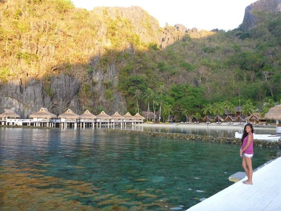 El Nido Resorts Miniloc Island: Looking over at the lovely water front bungalows, dont be fooled into getting the cheaper rooms!