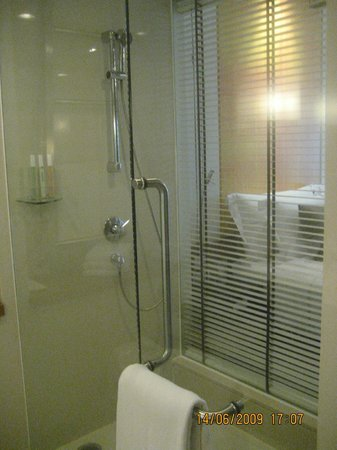 Dusit D2 Chiang Mai: with Rain Shower