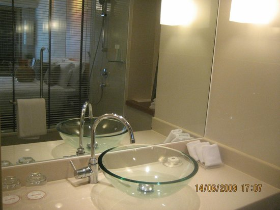 Dusit D2 Chiang Mai: Big bathrom