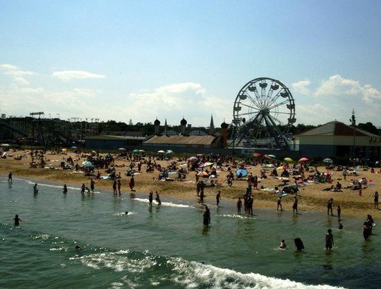 Old Orchard Beach Pier And Ferris Wheel