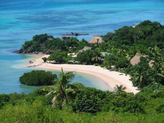 Navutu Stars Fiji Hotel & Resort: View of Resort from Navokavoka