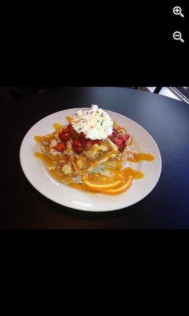 Cupcake Lady Cafe: Omg!! Waffles so fluffy!