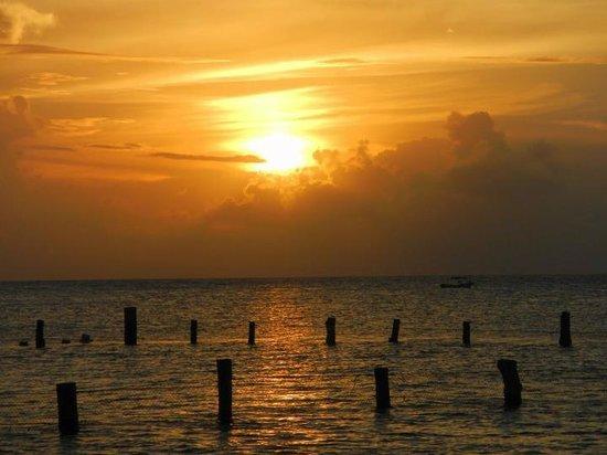 Blue Angel Resort: Blue Angel- Beautiful sunset fr