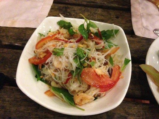 Palm Village Resort & Spa: prawn with rice noodles salad, yum yum
