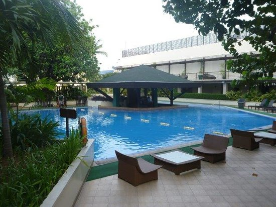 Pool Picture Of The Manila Hotel Manila Tripadvisor